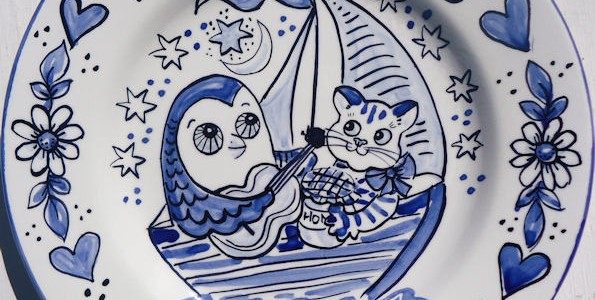 Hand painted personalised Blue and White Owl and Pussy Cat Plate
