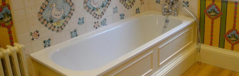 Court Henry Bathroom Bath Tile Splashback