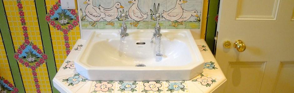 Court Henry Bathroom Sink